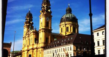 Kirche; Rechte: picture-alliance/dpa/Markus C. Hurek