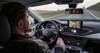 Selbst fahrende Autos: Nicht nur Google experimentiert; Rechte: dpa/Picture Alliance