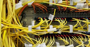 Welches Kabel führt zum BND? Knotenpunkt DE-CIX in Frankfurt; Rechte