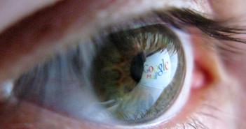 Google-Logo im Auge; Rechte: dpa/Picture Alliance