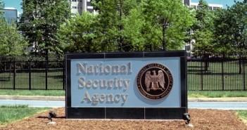 Wegweiser auf dem NSA-Gelände; Rechte: dpa/Picture Alliance