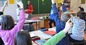 Im Unterricht; Rechte: dpa