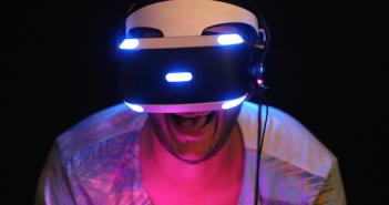 Ein neues Phänomen: Angst in VR-Spielen; Rechte: dpa/Picture Alliance