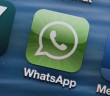 WhatsApp Logo im Smartphone; Rechte: dpa/Picture Alliance