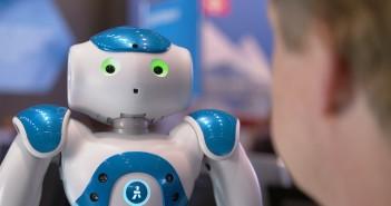 IBM-Roboter Nao auf der CeBIT; Rechte: WDR/Schieb