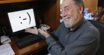 Vor 35 Jahren hat US-Professor Scott Fahlman das Smiley erfunden; Rechte: dpa/Picture Alliance