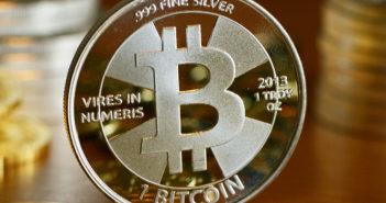 Bitcoin: Der Kurs nähere sich diese Woche der 12.000-Dollar-Marke; Rechte: dpa/Picture Alliance