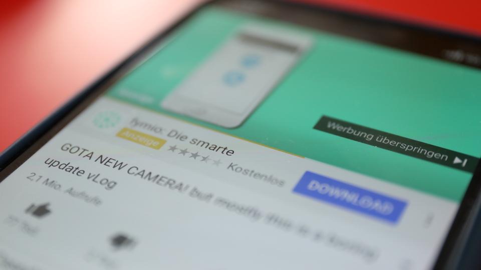 Werbung bei YouTube; Rechte: WDR/Schieb