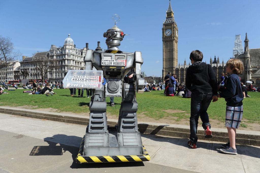 <Proteste gegen Killer-Roboter in London; Rechte: dpa/Picture Alliance