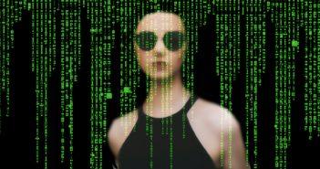Trojaner sind Schadprogramme, die sich unbemerkt in ein Gerät einschleusen; Rechre: Pixabay