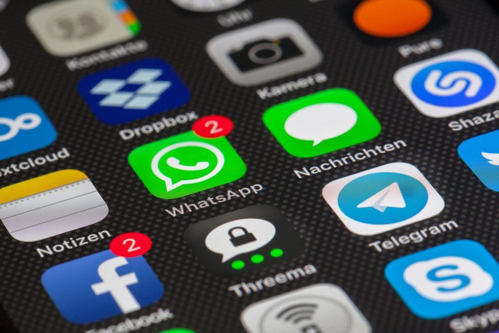Messenger verschlüsseln heute alles - und sind für die Polizei deshalb eine harte Nuss; Rechte: Pixabay
