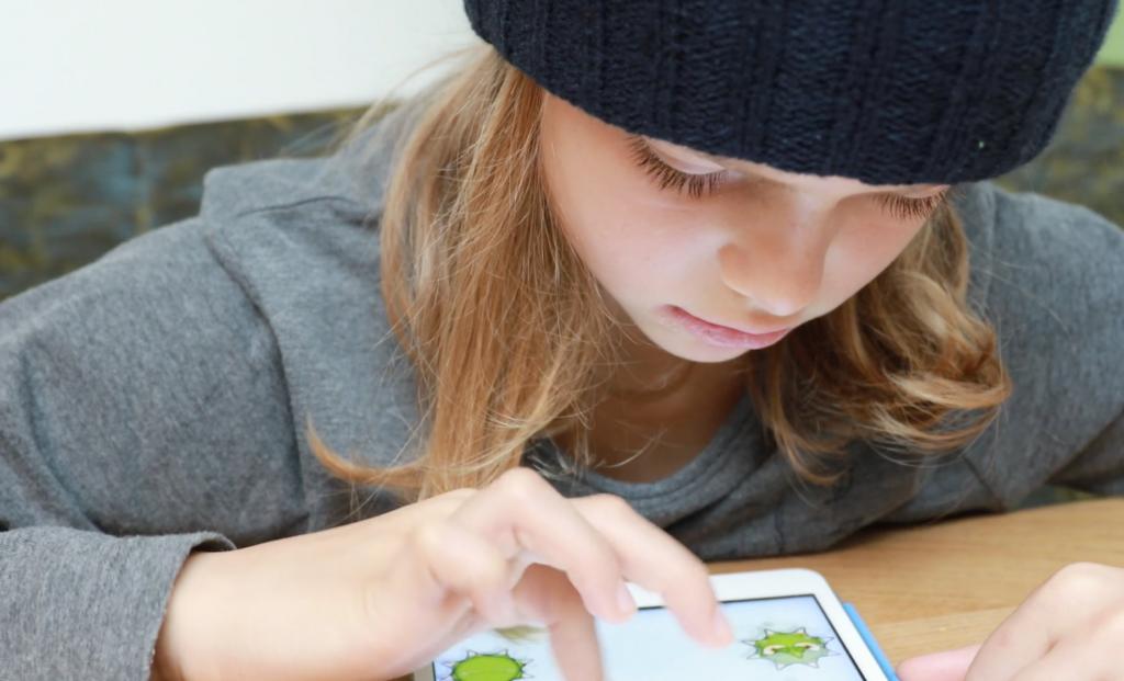 Sollen Kinder und Jugendliche an Schilen mit Tablets und Notebooks arbeiten?; Rechte: WDR/Schieb