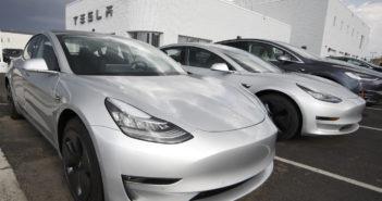 Tesla.-Autos; Rechte: Tesla