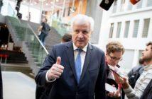 Host Seehofer will ein wehrhafteres Deutschland in Sachen Cyber-Angriffe; Rechte: dpa/Picture Alliance