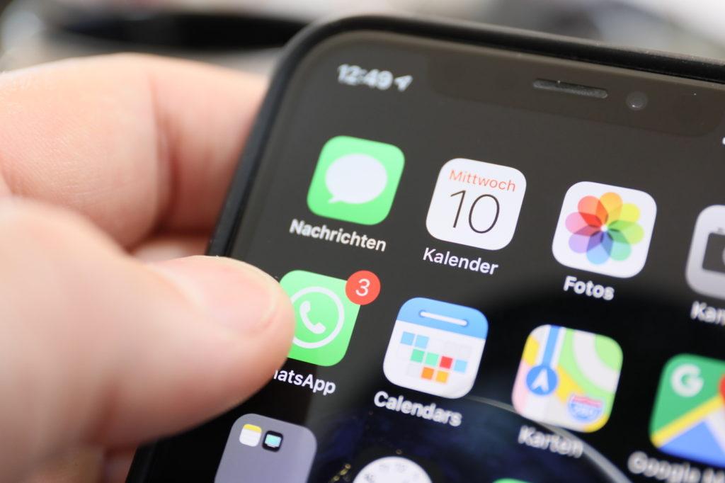 WhatsApp schaltet in 2019 Werbung; Rechte; WDR/Schieb