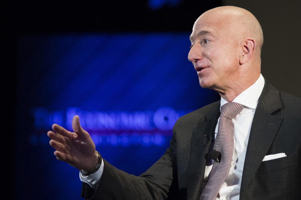 Amazon-Gründer Jeff Bezos hat Großes mit seinem Unternehmen vor; Rechte: dpa/Picture Alliance