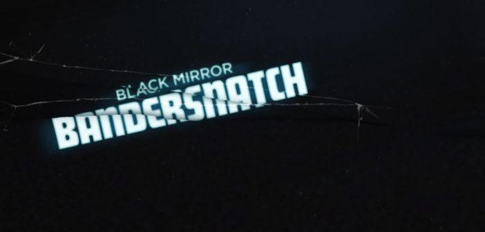 """Der Schriftzug """"Black Mirror Bandersnatch"""" auf schwarzem Grund."""