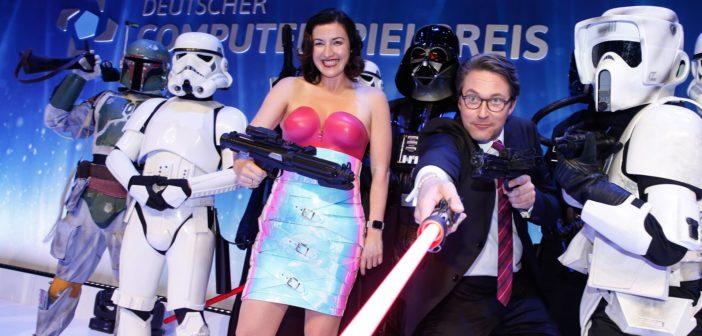 Staatsministerin Dorothee Bär und Verkehrsminister Andreas Scheuer beim DCP 2019 zwischen Star-Wars-Cosplayern. (picture alliance/dpa)