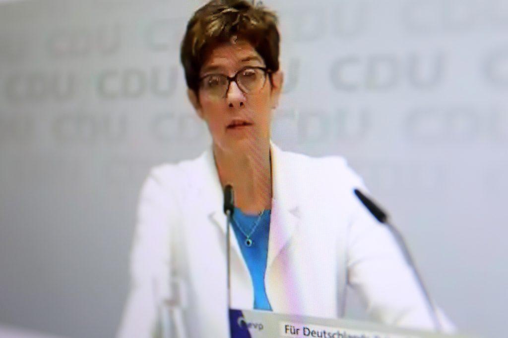CDU-Chefin Annegret Kramp-Karrenbauer versteht die Welt nicht mehr; Rechte: WDR/Schieb