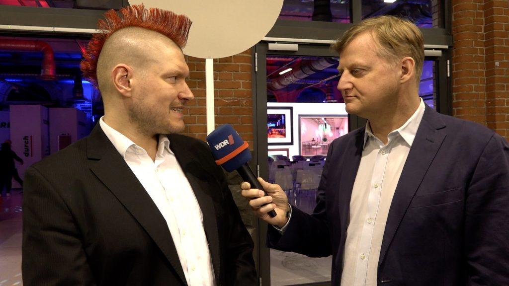 Sascha Lobo im Interview mit Jörg Schieb; Rechte: WDR/Schieb