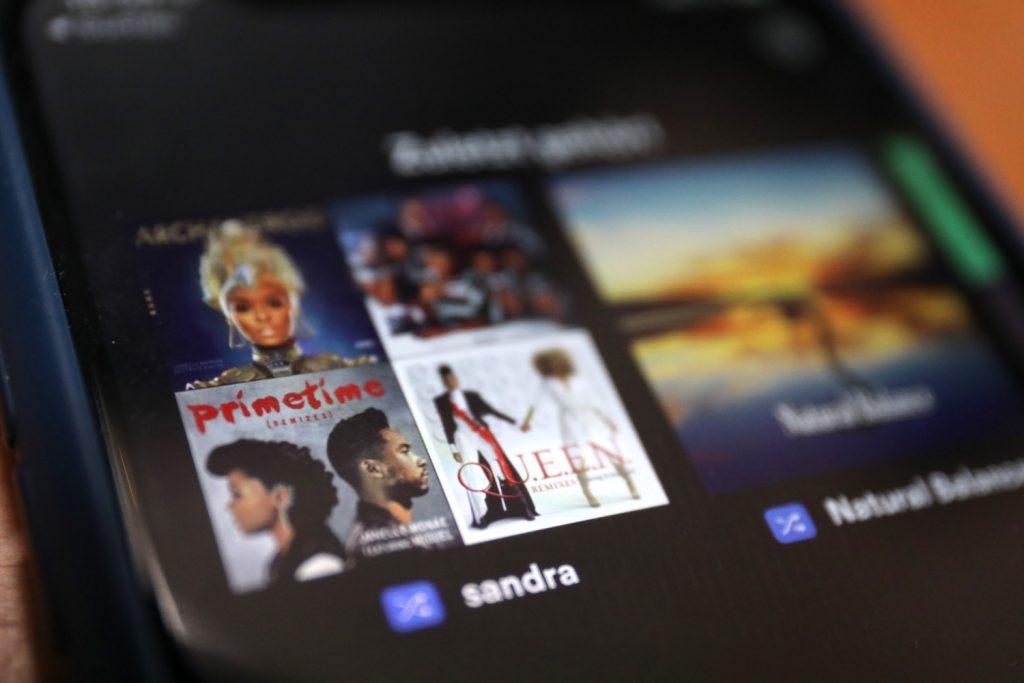 Musik-Streamingdienste wie Spotidy verbrauchen viel Energie; Rechte: WDR/Schieb