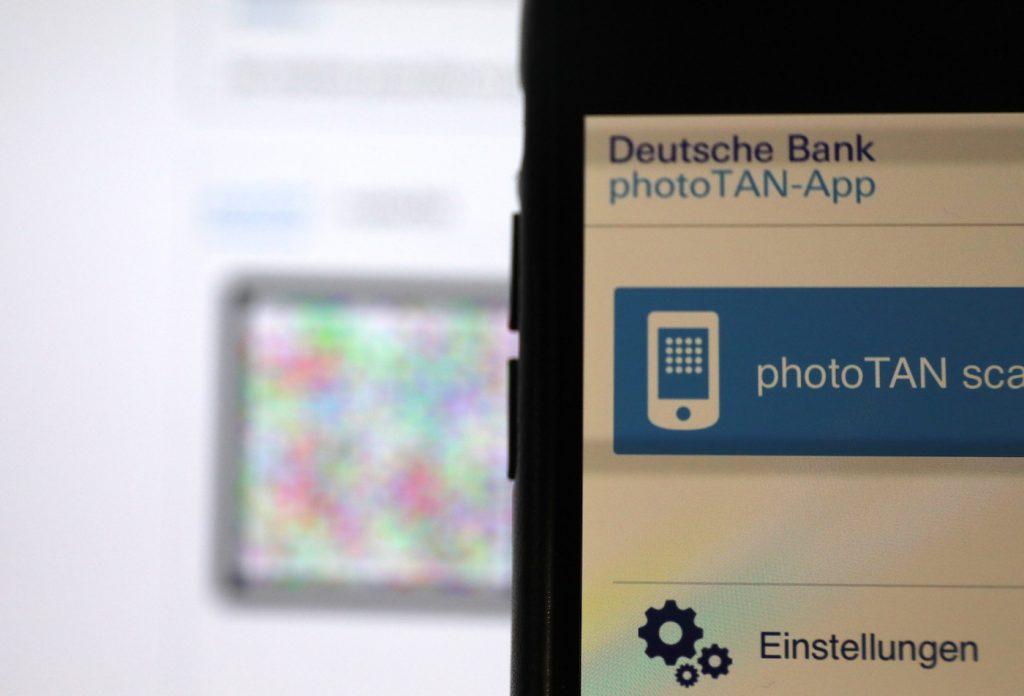 photoTAN: Authentifizieren mit dem Smartphone; Rechte: WDR/Schieb