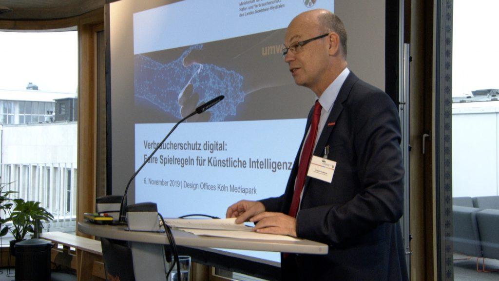 Faire Regeln für KI: Diskussion auf einer Veranstaltung in Köln; Rechte: WDR/Schieb