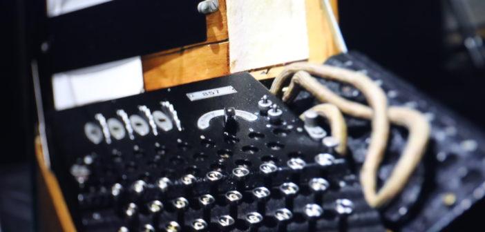 Eine der ersten Maschinen zur Verschlüsselung - Enigma; Rechte: WDR/Schieb