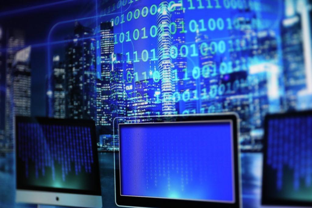 Soziale Netzwerke sollen künftig aktiv Postings melden; Rechte: WDR/Schieb