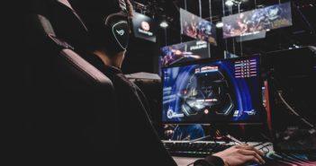 Mit der Gamer-Maschine bei der Forschung mitmachen; Rechte: WDR/Schieb