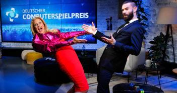 Barbara Schöneberger und Nino Kerl moderieren den Deutschen Computerspielpreis 2020. Bild: Franziska Krug/Quinke Networks