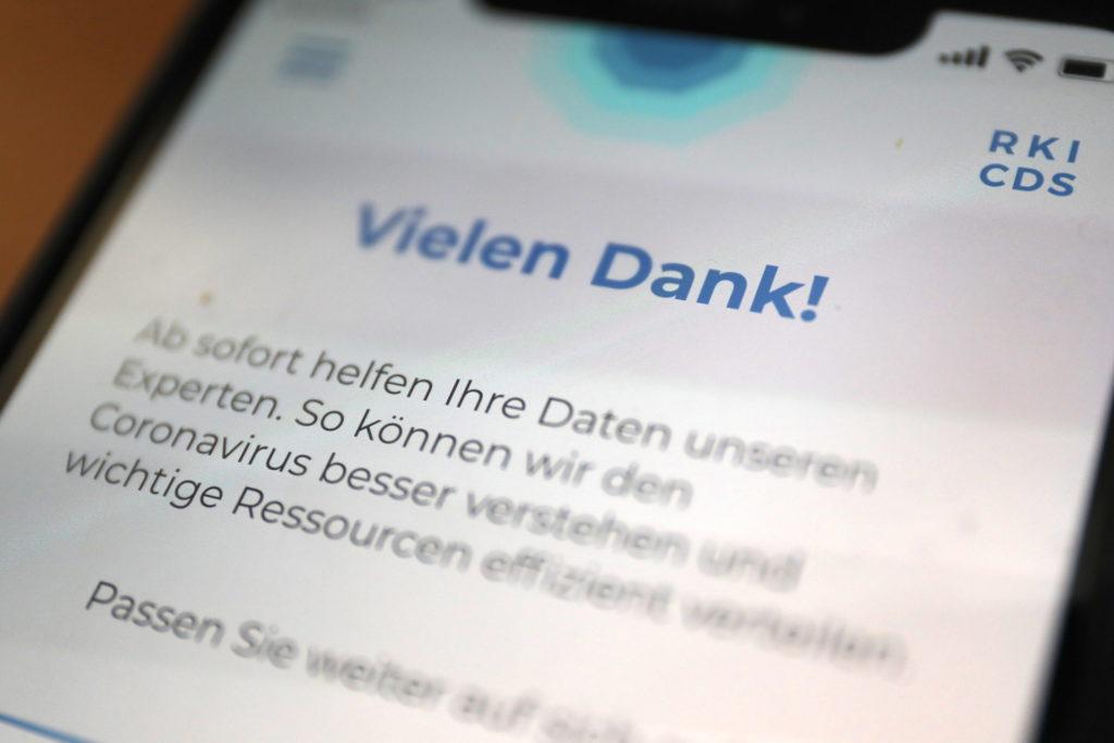 Die App ist einfach zu bedienen und liefert pseudonymisiert Daten beim RKI ab; Rechte;: WDR/Schieb