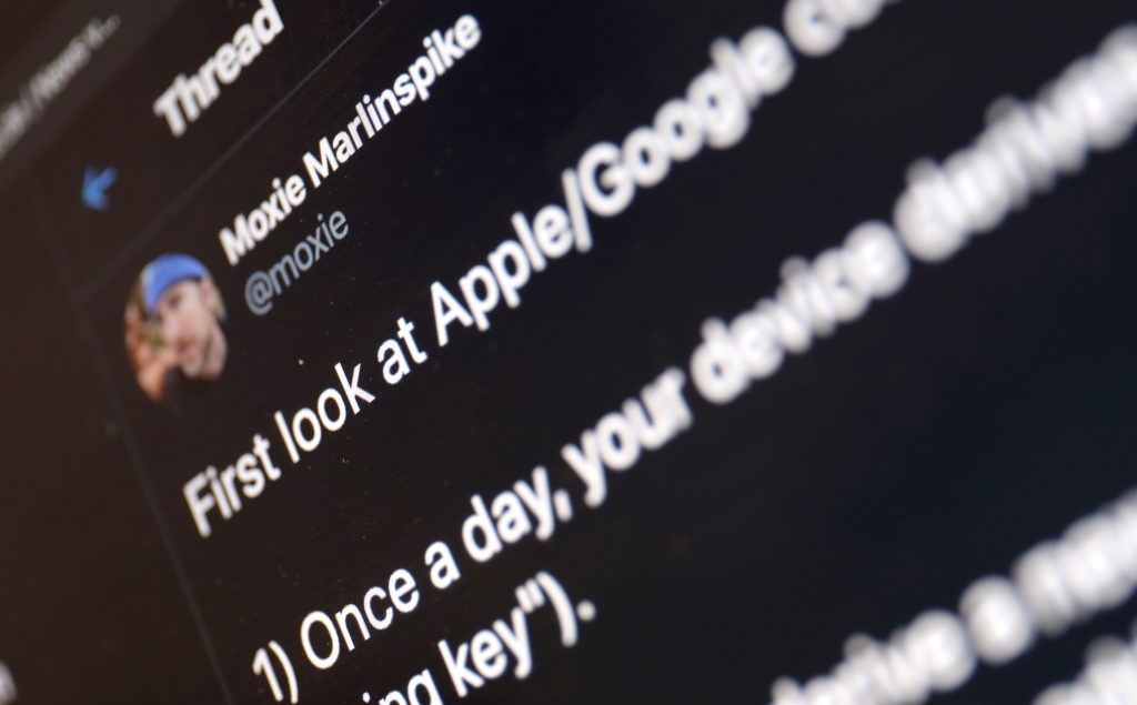 Krypto-Experte Moxie Marlinspike weist auf wichtige Aspekte hin; Rechte: WDR/Schieb