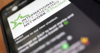 Chat-Bot in WhatsApp beantwortet Fragen zu Corona; Rechte: WDR/Schieb
