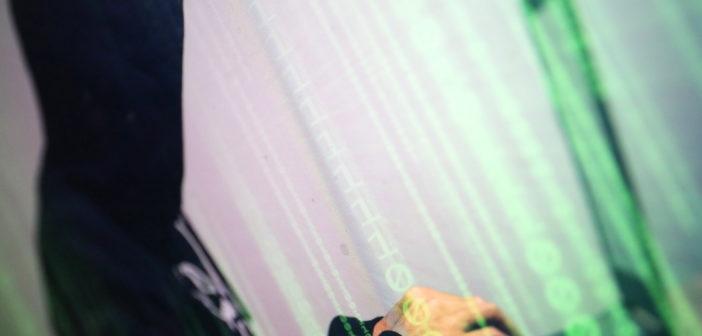 Hacker in Matrix-Style; Rechte: WDR/Schieb