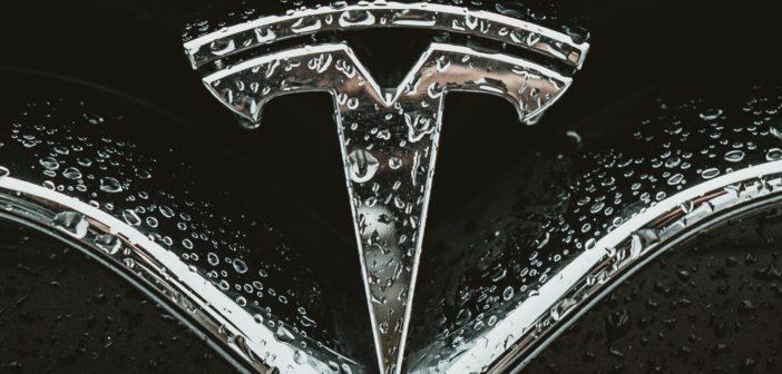 Tesla stellt die PR ein - weltweit; Rechte: WDR/Schieb
