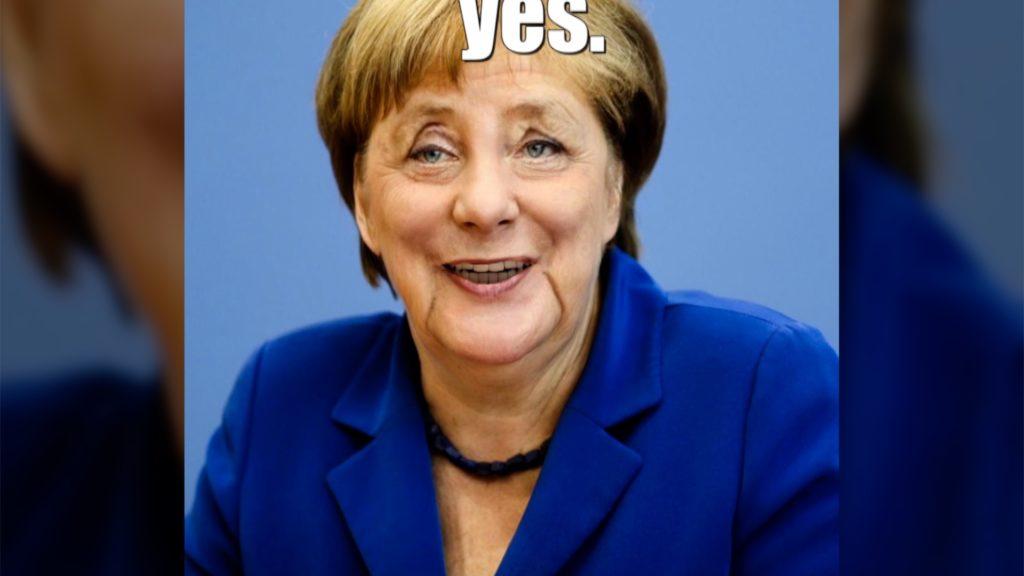 Mit wenigen Handgriffen lässt sich Angela Merkel zum Lächeln bringen - Fake! Rechte: WDR/Schieb