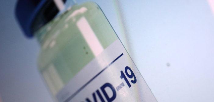 Die ersten Impfstoffe sind zugelassen und gehen demnächst an den Start; Rechte: WDR/Schieb