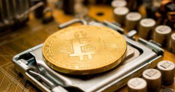 Der Bitcoin entsteht im Computer - und das erfordert immer mehr Rechenleistung; Rechte: WDR/Schieb