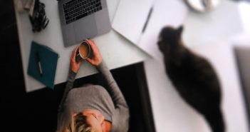 Was machen die Arbeitnehmer im Home Office? Rechte: WDR/Schieb