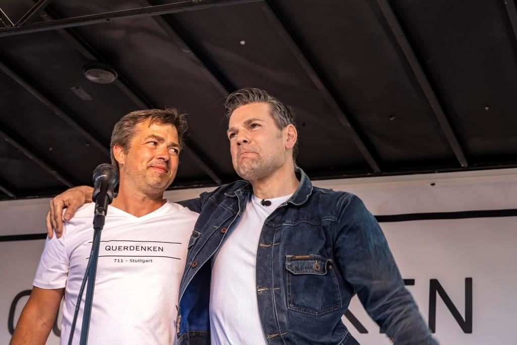 """zwei die für Desinformation bekannt sind: Michael ballweg von der Initiative """"Querdenken"""" und Ken Jebsen, der hinter Internetportal """"KenFM"""" steht."""