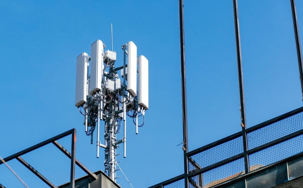 Vielen Standorte mit 5G bieten gar kein echtes 5G-Tempo; Rechte; WDR/Schieb