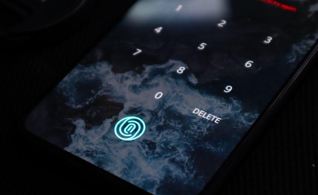 Sich per Fingerabdruck einzuloggen ist auch an vielen Desktop-PCs möglich - und wird immer mehr zum Standard werden; Rechte: WDR/Schieb