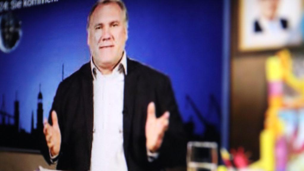 Schullieter macht Talkshow für seine Schülerinnen und Schüler; Rechte: WDR/Schieb