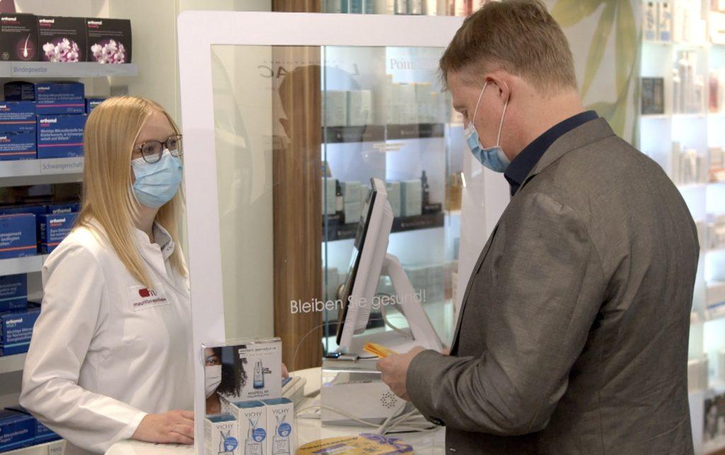 Rund 25 Millionen Menschen haben sich ein Impfzertifikat in der Apotheke geholt; Rechte: WDR/Schieb