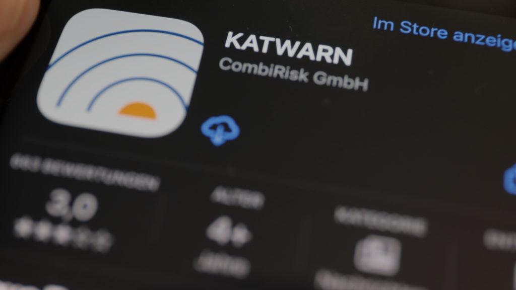 Auch Katwarn informiert auf dem Smartphone über Gefahren; Rechte: WDR/Schieb