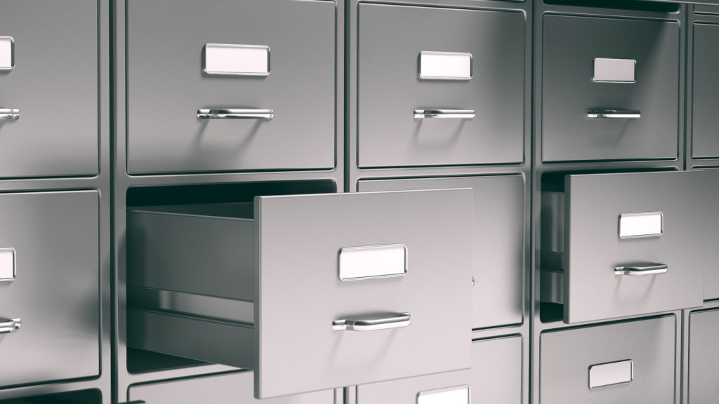 Es lagern so viele Daten in Aktenschränken; Rechte: WDR/Schieb