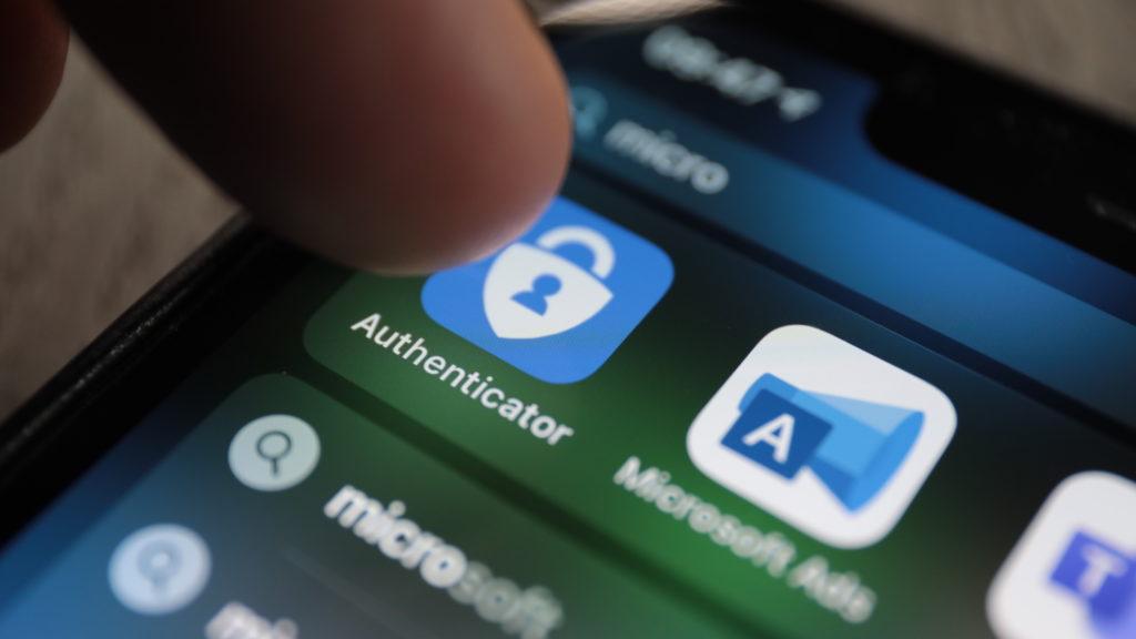 Spezielle Authenticator-App: Passwort wird hier erzeugt; Rechte: WDR/Schieb