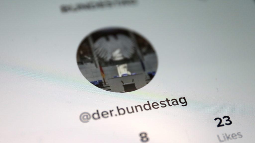 Fake-Account auf TikTok; Rechte: WDR/Schieb