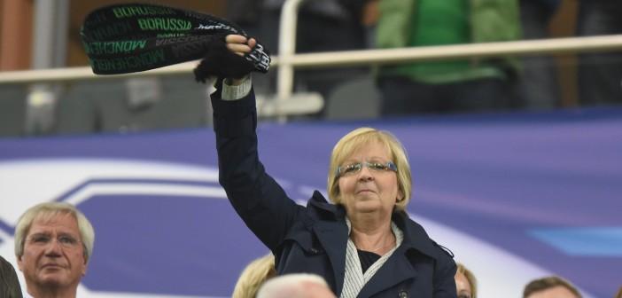 Championsleague: Borussia Mönchengladbach - Manchester City 30.09.2015. Ministerpräsidentin Hannelore Kraft als Gladbach-Fan auf der Tribüne.